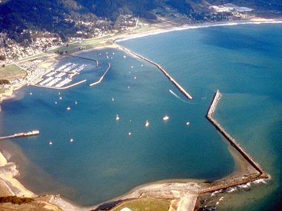 Aerial view of Pillar Point Harbor By Robert Campbell [GFDL (http://www.gnu.org/copyleft/fdl.html) or CC BY-SA 3.0 (http://creativecommons.org/licenses/by-sa/3.0)], via Wikimedia Commons